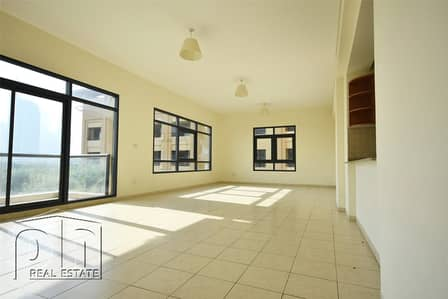 3 Bedroom Flat for Rent in The Views, Dubai - Views over Emirates Golf Course and Pool