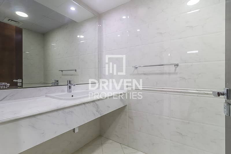 16 Huge-Layout 1 Bedroom Unit with Canal View