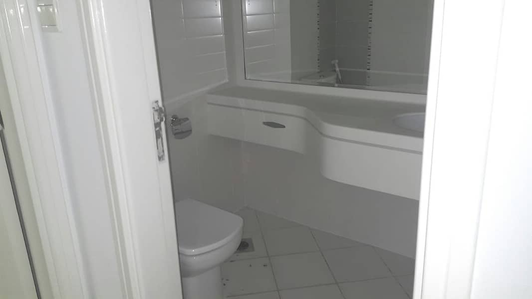 2 Luxury 1 Bed  Apt with Equipped  kitchen