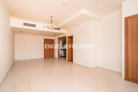 فلیٹ 1 غرفة نوم للايجار في قرية جميرا الدائرية، دبي - Large Unit  L Shape Layout   Chiller Free