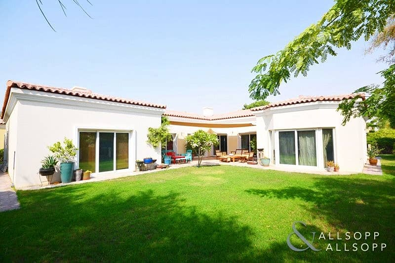 2 4 Beds | Immaculate Bungalow | Landscaped