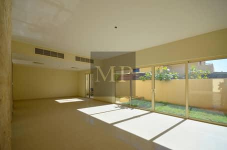 فیلا 5 غرفة نوم للايجار في حدائق الراحة، أبوظبي - Spacious Villa in a Secured  Community