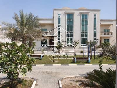 فیلا 6 غرفة نوم للايجار في مدينة محمد بن زايد، أبوظبي - فیلا في مدينة محمد بن زايد 6 غرف 140000 درهم - 4352067