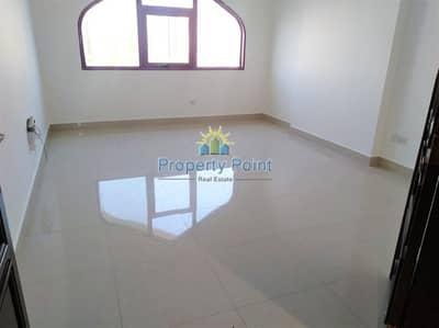 فلیٹ 2 غرفة نوم للايجار في الوحدة، أبوظبي - Move In Now | Clean unit | 2-bedroom Apartment | New Finish | Delma Street corner Muroor Road