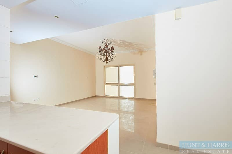 High Floor - Vacant - Lagoon and Golf Course View