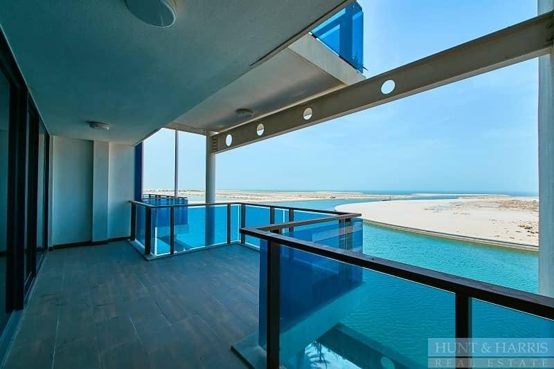 Spacious Living - Amazing Sea View - Duplex