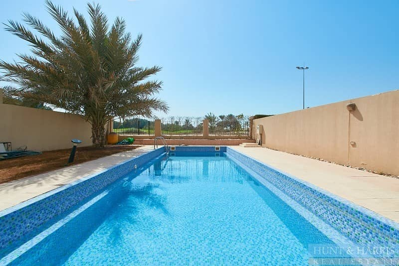 Private pool and Golf course view - 3 Bedrooms