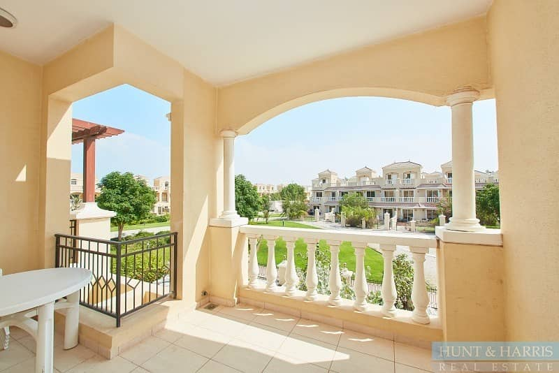 2 Two Bedroom Townhouse near the Pool