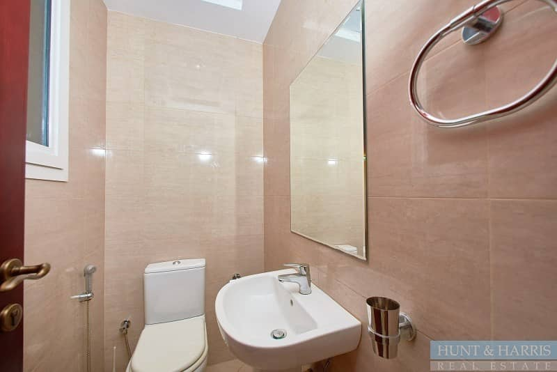 13 Two Bedroom Townhouse near the Pool