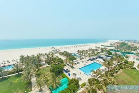 شقة فندقية 1 غرفة نوم للايجار في قرية الحمراء، رأس الخيمة - Sea Views - Direct Beach Access - Palace Hotel
