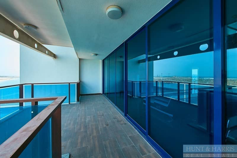 2 Duplex - Sea View - Vacant - Family Living