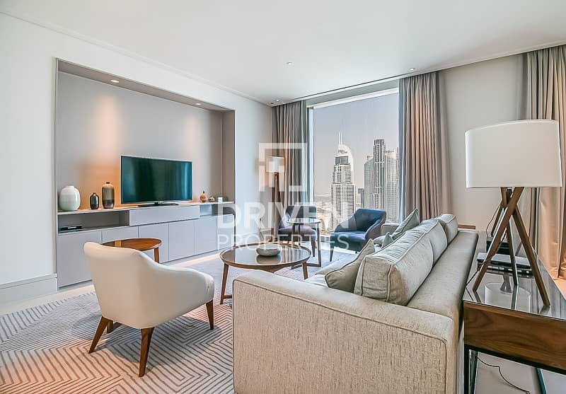 Bright and Luxurious Unit | Best Location