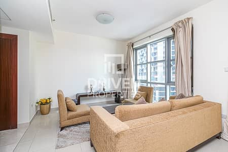 2 Bedroom Flat for Rent in Downtown Dubai, Dubai - Warm and Elegant Apt | Burj Khalifa View