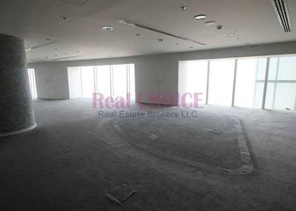 طابق تجاري  للايجار في شارع الشيخ زايد، دبي - Full Floor Fitted Office with Glass Partitions