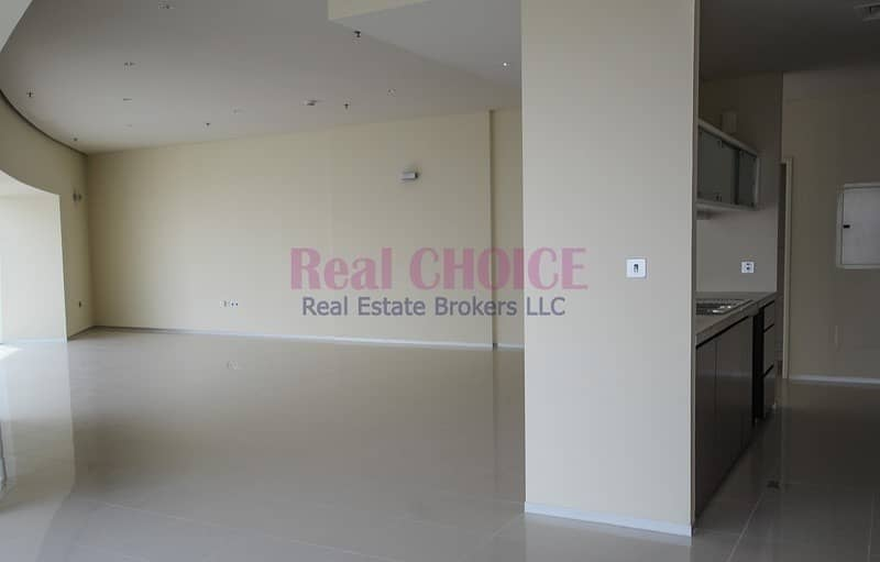 2 Payable in 4 Cheques Luxury 3BR Chiller Free