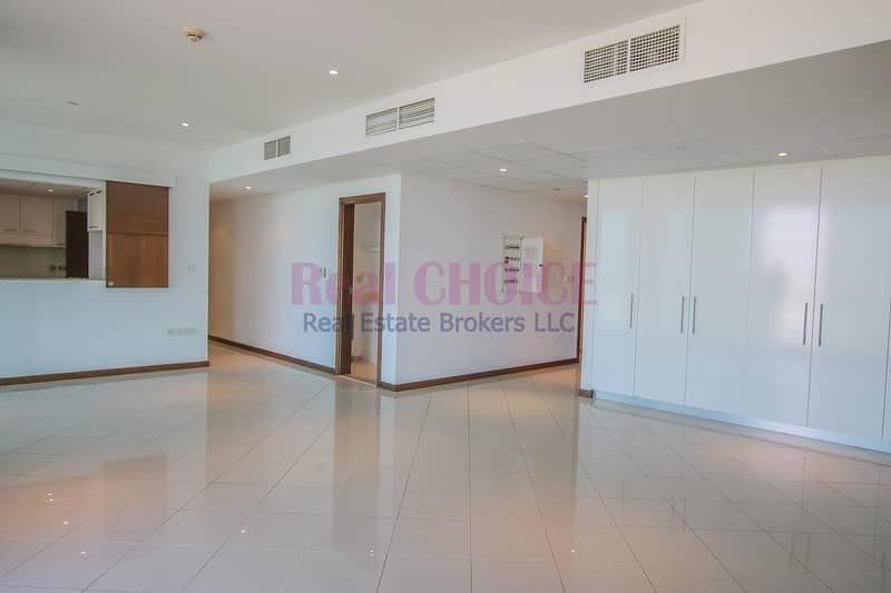 Perfect Investment |Ready 3BR Apartment|Vacant