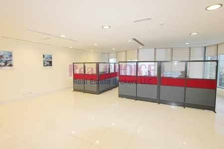 مکتب  للايجار في أبراج بحيرات جميرا، دبي - Fully Fitted Office With Pantry and Washroom
