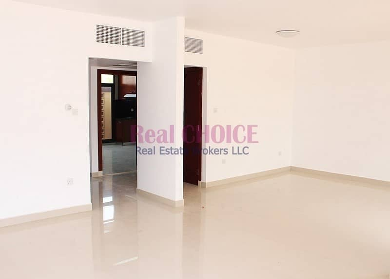 2 Renovated Huge 3BR Villa|Payable in 4 Cheques