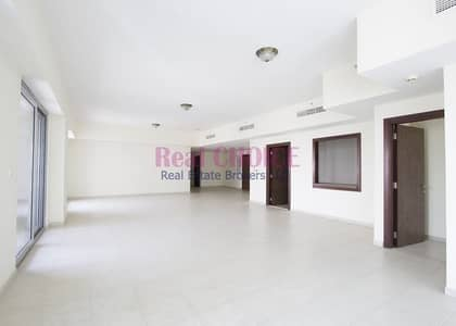 4 Bedroom Flat for Sale in Business Bay, Dubai - Spacious 4BR Apartment|Negotiable Price