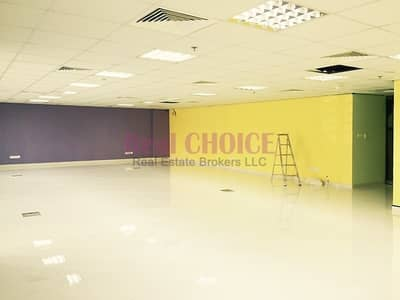 Shop for Sale in Jumeirah Lake Towers (JLT), Dubai - Walking Distance to the Metro Station Spacious