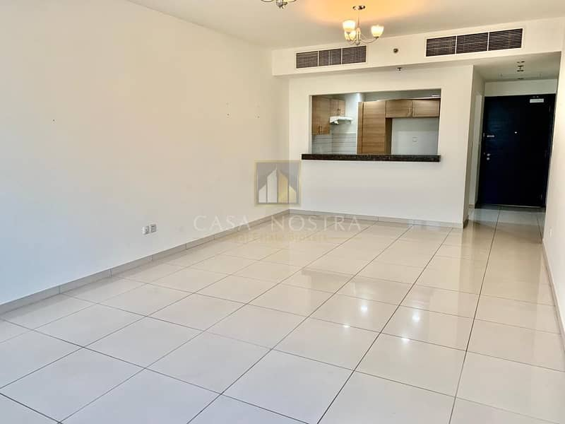 2 Garden view Vacant 2BR with Balcony I Open Kitchen
