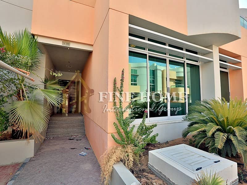 2 Gorgeous  5 BR Villa+M  in Al Gurm Corniche .