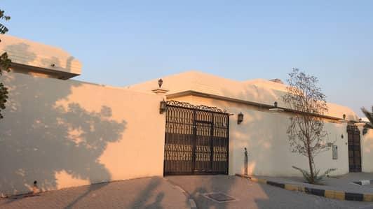 6 Bedroom Villa for Sale in Al Azra, Sharjah - 1