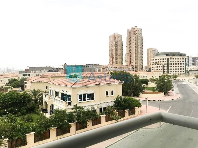 10 1 Month Rent Free | Balcony  | Semi-Closed Kitchen