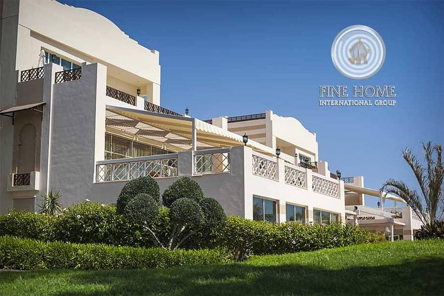 Amazing 10 MBR. Villa in Al Madinat Al Riyad