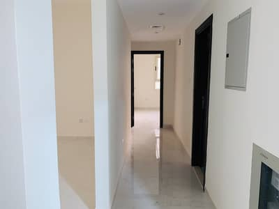 Nice brand new 2bhk with balcony /open view faimly building rent only 29'999Al Mujarrah area