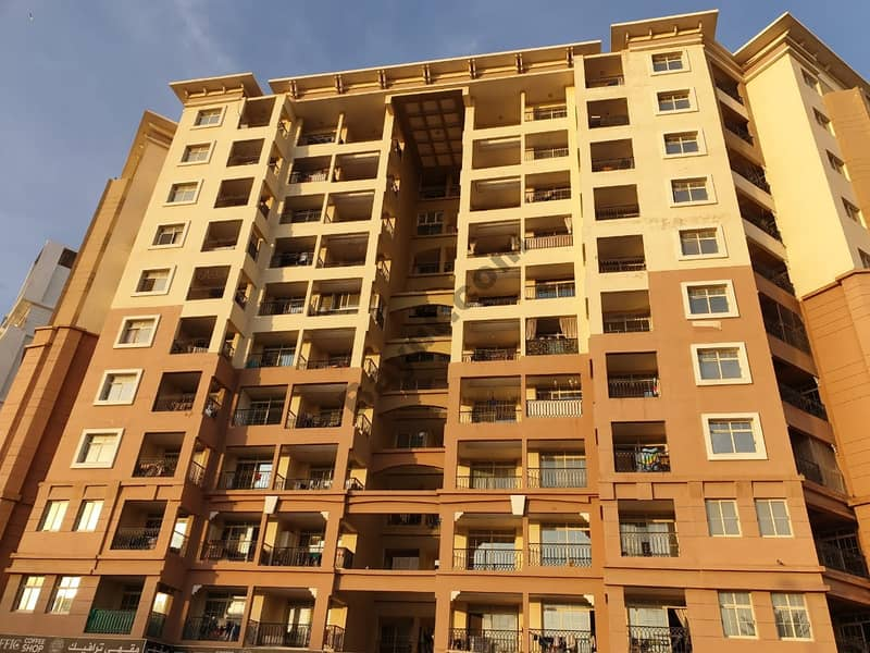 Stylish Two Bedroom Apartment in Fully Facility Building Just in 610K