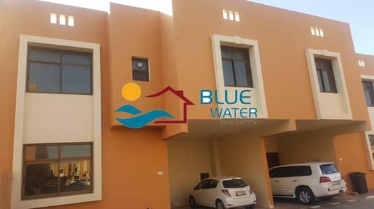 تاون هاوس 4 غرف نوم للايجار في القرم، أبوظبي - Classical 4 B/R Villa Near khalifa Park.