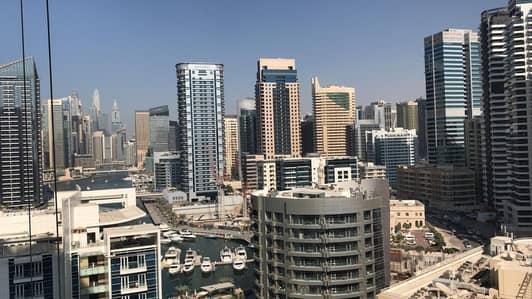 شقة 1 غرفة نوم للبيع في دبي مارينا، دبي - شقة في برج دي إي سي 2 برج دي إي سي دبي مارينا 1 غرف 750000 درهم - 4363616