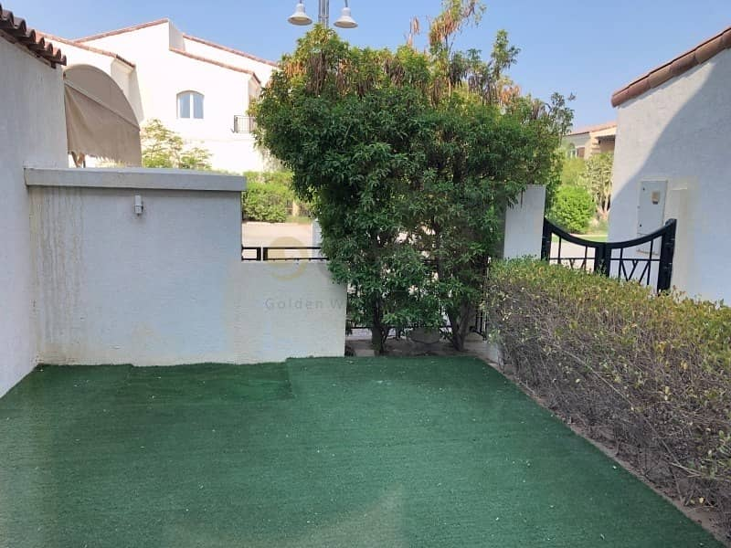 15 FACING PARK AND POOL|VACANT|MOTIVATED SELLER