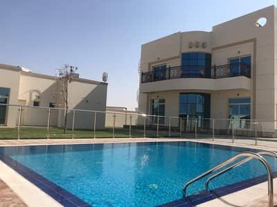 فیلا 5 غرفة نوم للايجار في القوز، دبي - فیلا في القوز 1 القوز 5 غرف 270000 درهم - 4364085