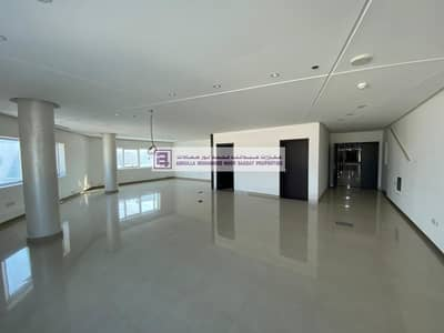 Office for Rent in Al Khabisi, Dubai - Fabulous Office with Fittings for Immediate Start  Business