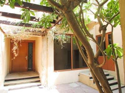 فیلا 4 غرف نوم للايجار في القرهود، دبي - فیلا في القرهود 4 غرف 150000 درهم - 4364448
