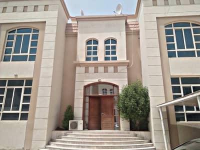 استوديو  للايجار في بين الجسرين، أبوظبي - studio brand new w parking inside compound w tawtheeq no commission fees