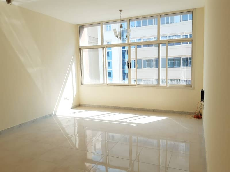 شقة في منطقة النادي السياحي 2 غرف 55000 درهم - 4365742