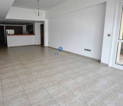 2 Bedroom Flat for Rent in Palm Jumeirah, Dubai - Excellent Layout II Well Equipped Kitchen II Vacant II MUltiple Chqs