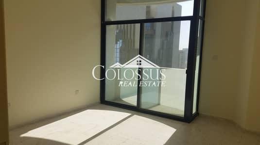 فلیٹ 5 غرفة نوم للايجار في المركزية، أبوظبي - Clean & Spacious 5-BR in a Convenient Location