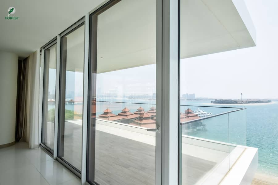 20 Elegant Penthouse with Full Sea View   Vacant