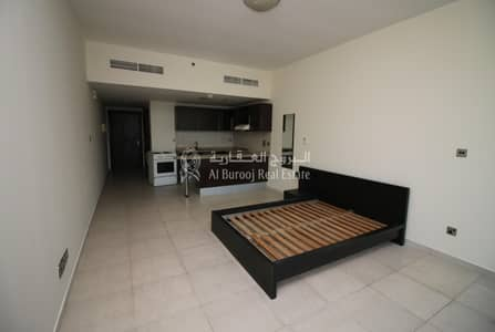 Studio for Rent in Jumeirah Lake Towers (JLT), Dubai - Studio with Lake view Balcony   white Goods