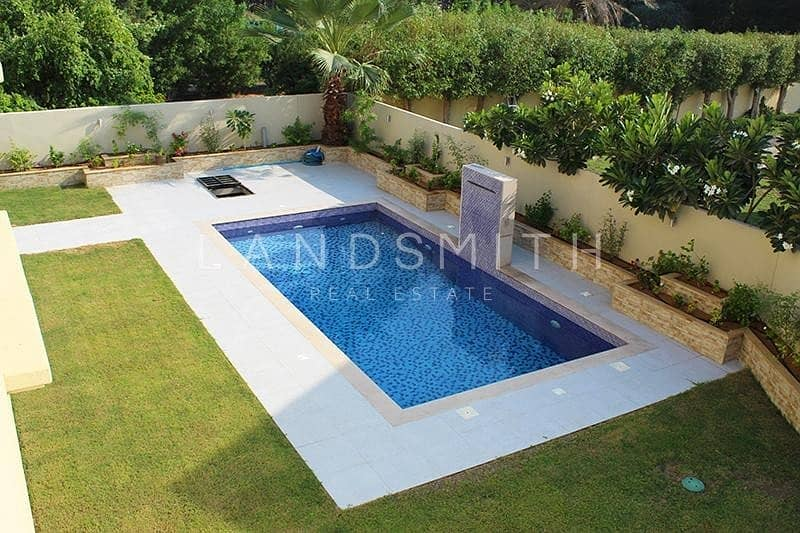 2  Beautifully Upgraded 4BR Villa with Pool