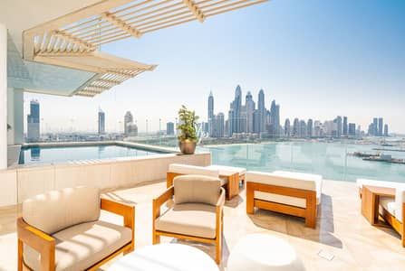 4 Bedroom Penthouse for Sale in Palm Jumeirah, Dubai - Beachfront Penthouse|Sea and Marina View