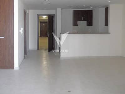 Studio for Rent in Business Bay, Dubai - Huge Studio with Canal View - Business Bay