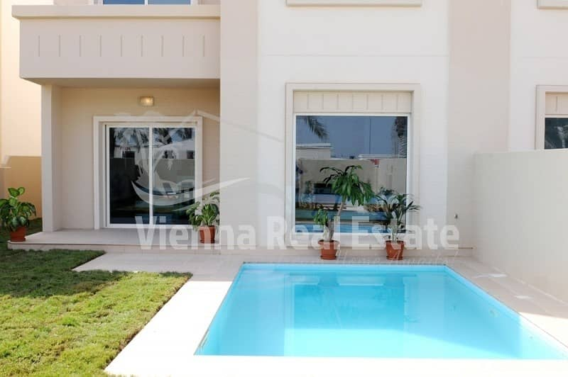 2 Beautiful Single Row 5 BR Villa for sale