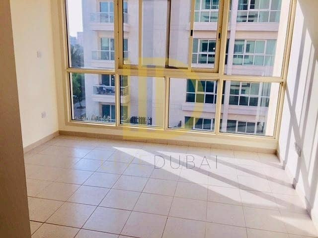 15 Green 05 Series 2 Bed plus Study with Pool View-HL