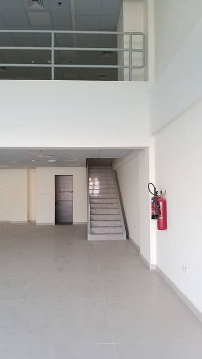 Warehouse for Rent in Industrial Area, Sharjah - Warehouse covered in Sharjah industrial 7 distinctive and large suitable for all activities close to the Emirate of Dubai Excellent price . . . . .