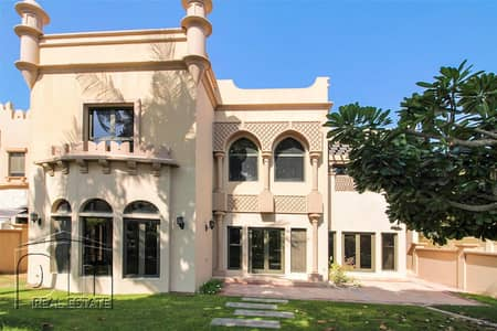 4 Bedroom Townhouse for Rent in Palm Jumeirah, Dubai - Spacious Townhouses - Roof Terrace